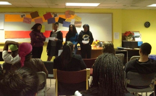 A group of FLOC Scholars presents what they have learned in their theme workshop.